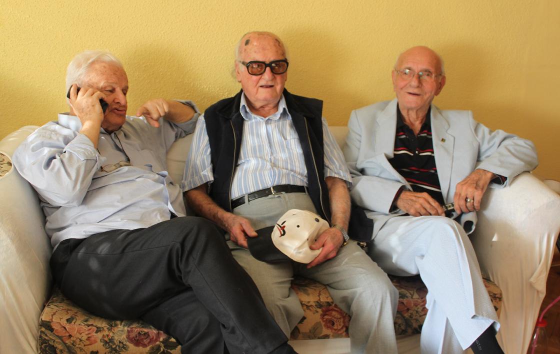 Seksen yıllık arkadaşlar bir arada (soldan): Faruk Hızal, Vecdet Özkan, Galip Haktanır.