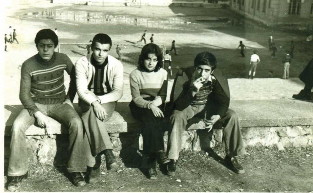 Darüşşafaka Çarşamba/Bekar yaylası, arka planda toprak saha (Murat ile Zehra evlendi-kısa süre sonra ayrıldı)– İsmail Atasoy, Murat Derler (DS'79), Zehra Tek (DS'80), Ali Riza Kizildağ (DS'79)