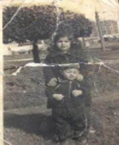 Ablam ve ben Taksim Parkı 1955.