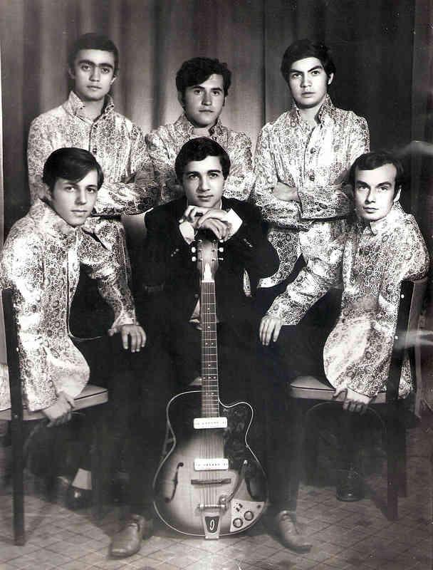 Ayaktakiler soldan sağa: Bülent Şenver (org), Faruk Karadağlar (solo gitar), Kemal Çile (bas gitar) Oturanlar soldan sağa: Yusuf Kutlu (ritim gitar), Kansu Asyalı (solist), İlhan Dönertaş (davul)