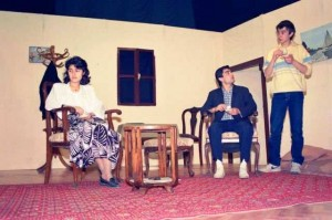 Bozuk Düzen adlı oyundan bir sahne (Yönetmenimiz Afife Tiyatro ödüllü İsmail İncekara idi)